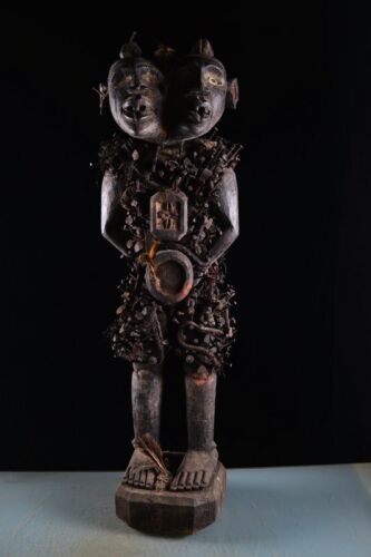 43132 Figurine very large double-headed art from the Bakongo, DR Congo, Africa
