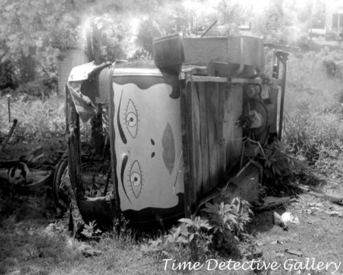 Strange Painting on a Wrecked Car, Swepsonville, NC- 1940 - Historic Photo Print
