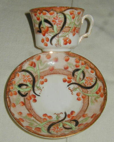 OLD ENGLISH PORCELAIN CUP & SAUCER, LONDON PATTERN, AESTHETIC MOVEMENT