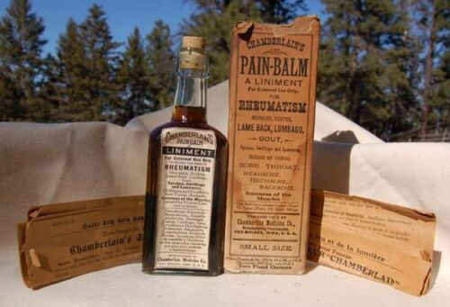 Original MID WESTERN antique labeled PAIN BALM patent medicine bottle IN BOX