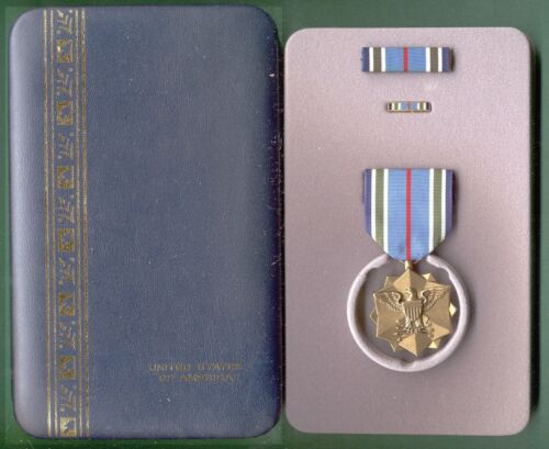JOINT SERVICE ACHIEVEMENT MEDAL in Pres CaseOther Militaria - 135