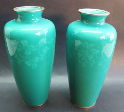 """Fine Pair of SIGNED ANDO 8.5"""" Japanese Wireless Cloisonne Vases  c. 1950s  MINT+"""