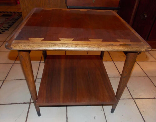 Walnut / Ash Lane Acclaim Dovetail Top  End Table / Side Table