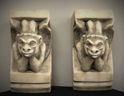 GARGOYLE OF NOTRE DAME CORBEL BRACKET ARCHITECTURAL ACCENT HOME DECOR - PAIR
