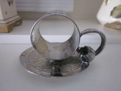 ANTIQUE MERIDEN B COMPANY SILVERPLATE LILY PAD AND FLOWER BUD NAPKIN RING