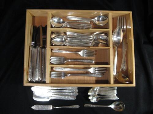 ONEIDA NOBILITY PLATE ROYAL ROSE SILVERPLATE FLATWARE - 90 PIECES- CA 1939