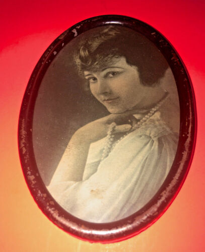 Vintage Dime Store Photo in Oval Frame-Coy Young Lady-Holding Pearls-20's Hair!