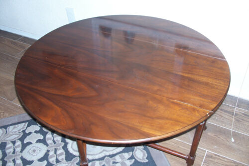 Vintage Baker, Mahogany Gate Leg coffee/ Cocktail Table