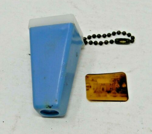 Vintage Pocket Viewer Key Chain with 1 picture inside