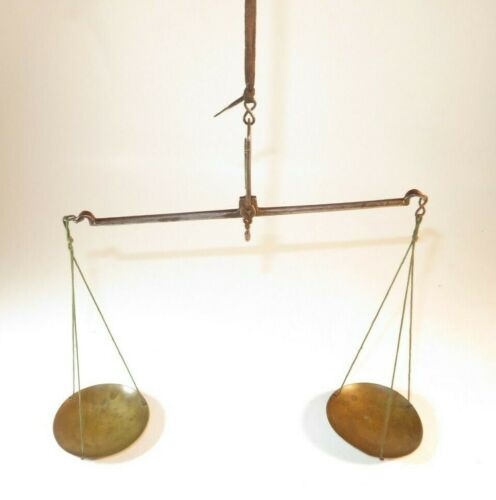 NICE 18TH CENTURY IRON AND BRASS MERCHANT'S POCKET HAND SCALE
