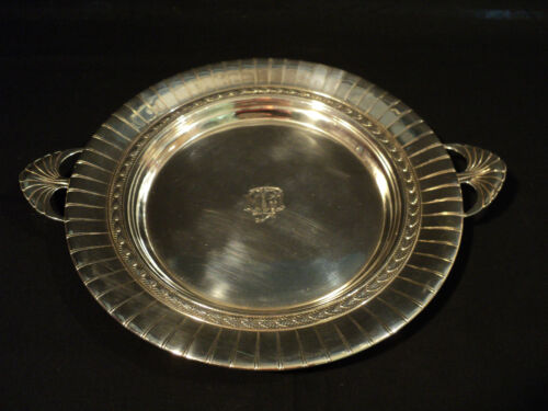"""INTERNATIONAL STERLING SILVER 10"""" ROUND TRAY, FLUTED EDGE & SHELL HANDLES"""