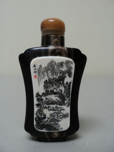 NICE 19th. C. CHINESE NATURAL HORN SNUFF BOTTLE ENGRAVED DECORATION, LANDSCAPE