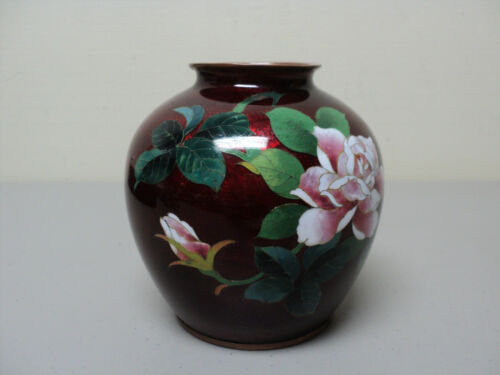 LOVELY JAPANESE CLOISONNE GINBARI AKASUKE (PIGEON BLOOD) VASE with BRONZE RIMS
