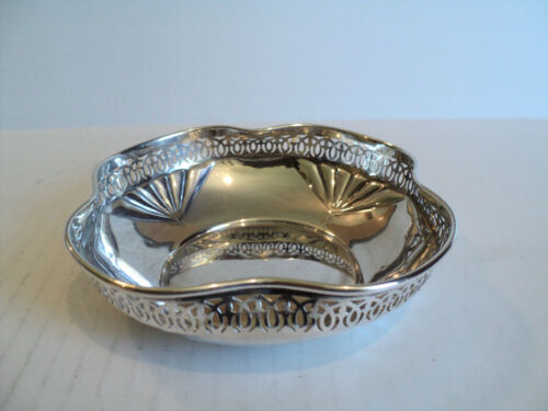 ANTIQUE MANCHESTER MFG. Co. STERLING SILVER PIERCED DECORATED CANDY DISH / BOWL