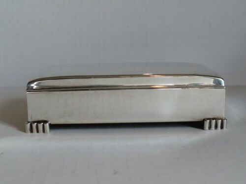 "AMERICAN ""POOLE SILVER CO."" ART DECO PERIOD STERLING SILVER CIGARETTE BOX"