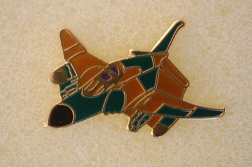 US USA F-4 Phantom Fighter Military Hat Lapel PinOther Militaria - 135