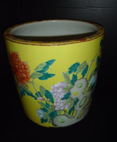 Antique Chinese Qing Famille Rose Huge Cylindrical Scroll Pot Fish Bowl Insects.