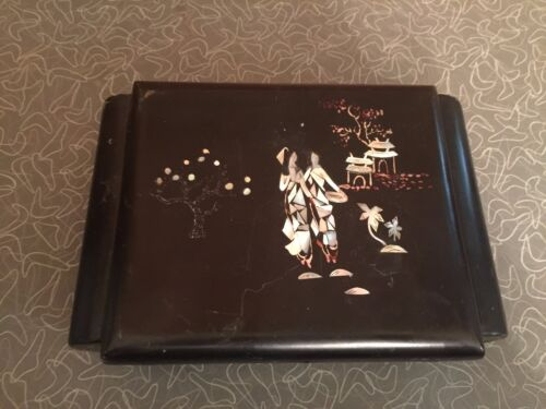 Antique Japanese Mother of Pearl Inlaid Lacquer Trinket Box
