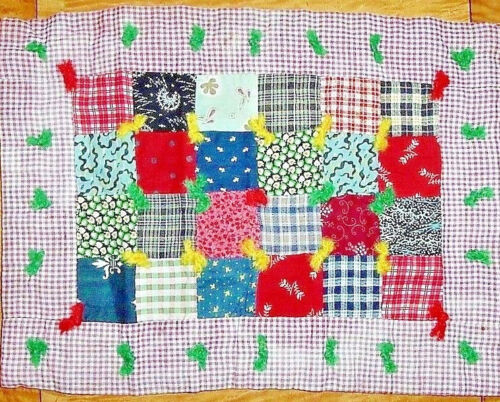 AUTHENTIC  EARLY DOLL QUILT WITH HOMESPUN ONE PATCH TABLE WALL DECO FARM QUILT