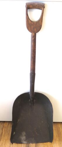 .RARE / VINTAGE / ENGLISH MADE STOKERS / STEAM ENGINE / FIREMANS SHOVEL.