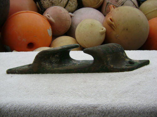 12 INCH OLD STEEL SHIP BOAT DOCK CLEAT CHOCK DECOR (#0175)