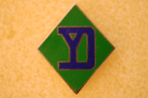 US USA Army 26th Infantry Division Military Hat Lapel PinOther Militaria - 135