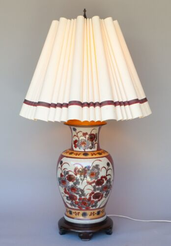 WILDWOOD VINTAGE CHINESE HAND PAINTED CERAMIC CRACKLE FINISH TABLE LAMP FLORAL