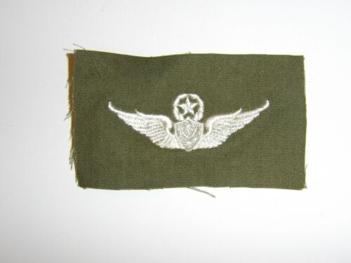 e2399 Vietnam US Army Master Aircrew Wing white on OD IR15FReproductions - 156472