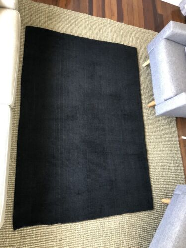 Pure WOOL RUG 203 x 140cm jet black thick and soft