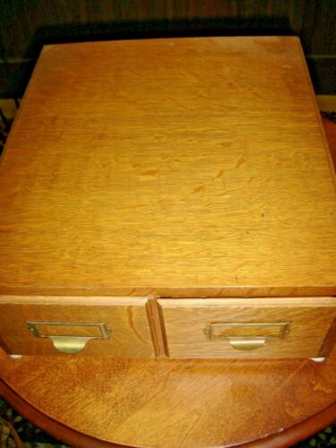 Antique Quarter-Sawn Oak 2-Drawer Card File 3 X 5 cards Original hardware.  815