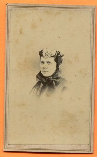 CDV, Newark, OH, Portrait of a Young Woman, ID'd, by Loveridge, circa 1860s