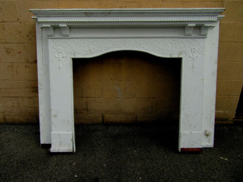 ~ ANTIQUE CARVED OAK FIREPLACE MANTEL ~ 41 OPENING ~ ARCHITECTURAL SALVAGE