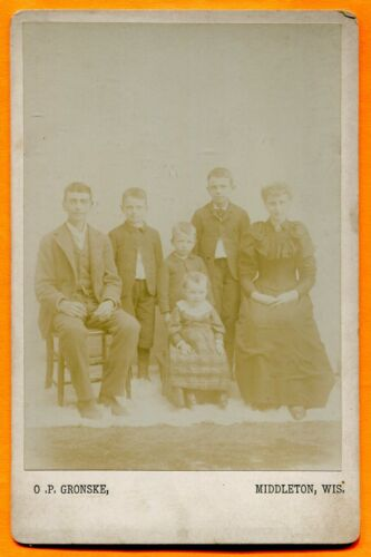 Middleton, WI, Portrait of a Family, by Gronske, circa 1890s