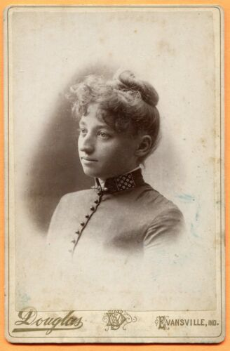 Evansville, IN, Portrait of a Young Woman, by Douglas, circa 1890 Backstamp
