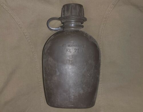 DUTCH NETHERLANDS ARMY PLASTIC 1 LT CANTEEN - USED KL 1970s ISSUE