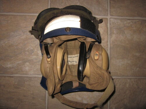 Genuine US Navy USN deck flight helmet size 7 1/2 with goggles dated 1991 !!!Original Period Items - 10953