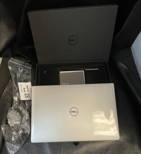 "NEW Dell XPS 13 7390 13.3"" Laptop i7-10510U 8GB 2133 256-SSD Drive"
