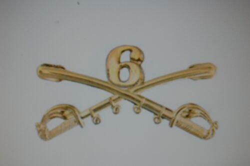 US USA Army 6th Cavalry Crossed Sabers Large Military Hat Lapel PinOther Militaria - 135