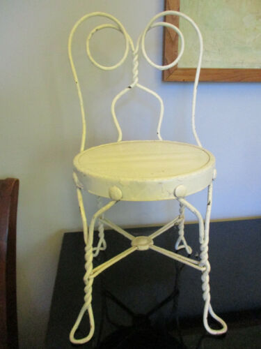 Antique Vintage Twisted Wrought Iron Child Doll Size Ice Cream Parlor Chair 20.5