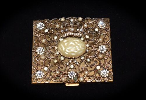 ABSOLUTELY GORGEOUS! Rhinestones & Pearls *QUEEN CROWN* Vintage 1940s Compact