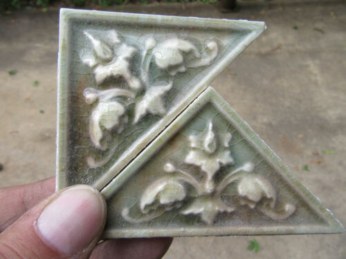 ~ LOT OF 25 ANTIQUE VICTORIAN TILES FLORAL TRIANGULAR ~ ARCHITECTURAL SALVAGE
