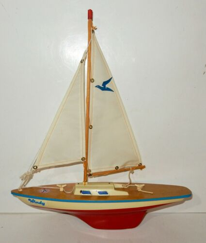 """Vintage Seifert Wooden Pond Sailboat """"Windy"""" made in West Germany"""