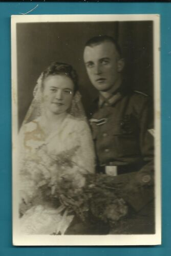 #H54. WWII POSTCARD OF GERMAN SOLDIER AND BRIDE1939 - 1945 (WWII) - 13977