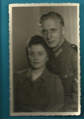 #H115.   WWII  POSTCARDS OF GERMAN SOLDIER AND LADY1939 - 1945 (WWII) - 13977