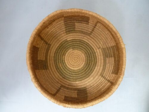 """Native American Weave Small Basket Bowl. Very Nice Design. Approx. 3"""" T x 6.5"""" D"""