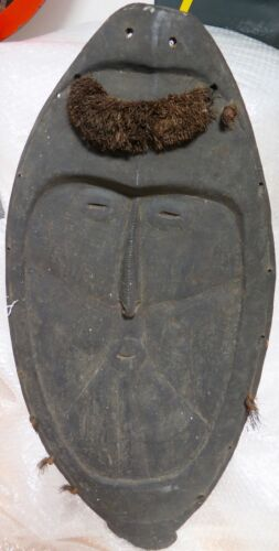 .VERY LARGE / QUITE OLD PNG HIGHLANDS TRIBAL MASK / DISPLAY. CARVED WOOD. 92CMS