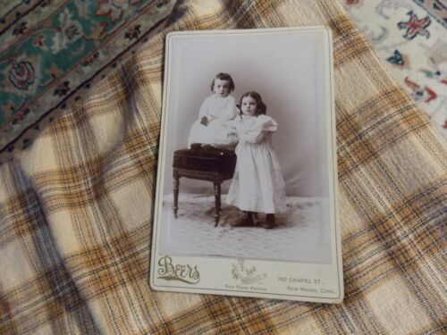 """Antique BEERS NEW PHOTO PARLORS Cabinet Card Photograph CHILDREN GIRLS 6.5"""" VG !"""