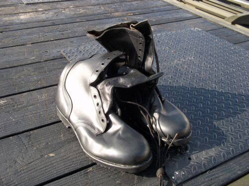 SIZE  13.5  XW EXTRA WIDE LEATHER  BLACK  BOOTS  MILITARY  SURPLUS  US ARMYOther Military Surplus - 588