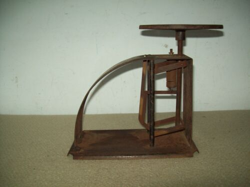 primitive  antique warranted accurate  postal scale   12 lbs