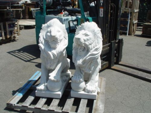 PAIR OF CARVED MARBLE SITTING ROARING LIONS -CH08